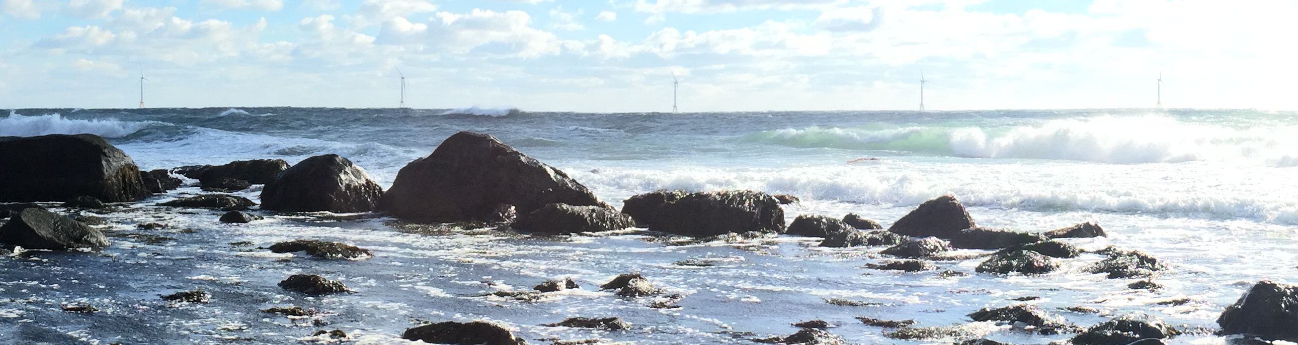 Photo near Mohegan Bluffs, Wind farm before Block Island, Photo: Oliver Knill, December, 2016